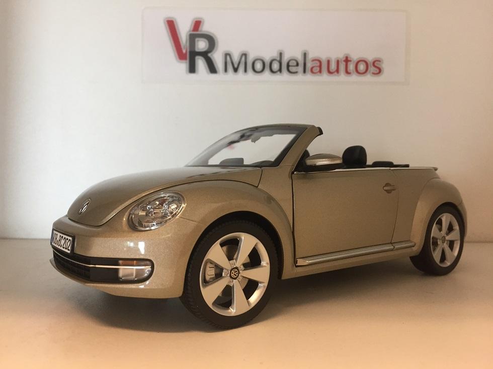 vr modelauto 39 s volkswagen beetle cabrio 2012 1 18. Black Bedroom Furniture Sets. Home Design Ideas
